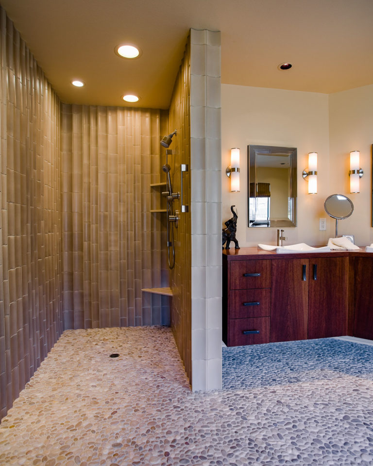 Edgewater || Bathroom & Kitchen