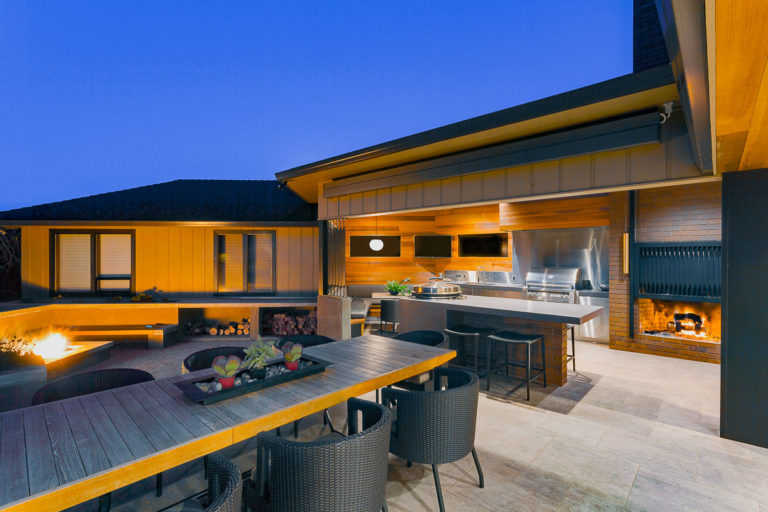 Santiam || Kitchen & Patio